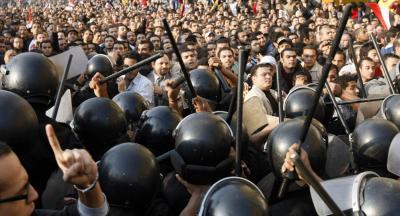 """""""EEUU sigue en Egipto su libreto habitual"""", Noam Chomsky"""