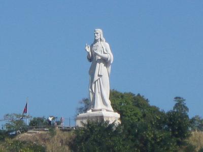 Restauran escultura del Cristo de La Habana